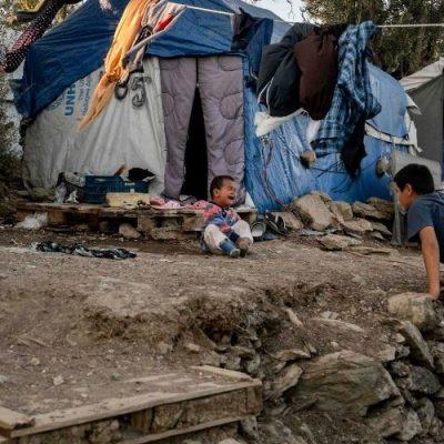 UNICEF Grecia: Más de 1.100 niños refugiados no acompañados necesitan ayuda