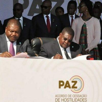 Gobierno y paramilitares firman la paz en Mozambique semanas antes de la visita del Papa