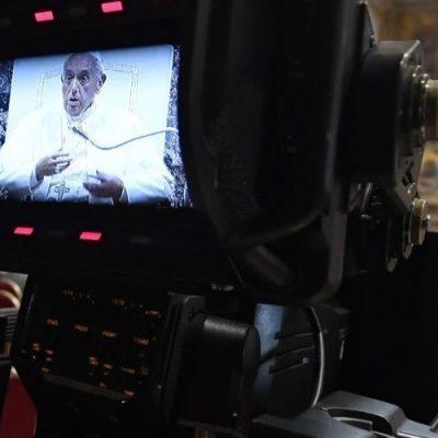 """La receta del Papa a la prensa: """"Den voz a quien no la tiene"""""""