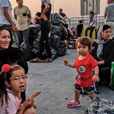 """En """"la otra puerta de Europa"""" 24 mil personas esperan hacinadas e ignoradas"""