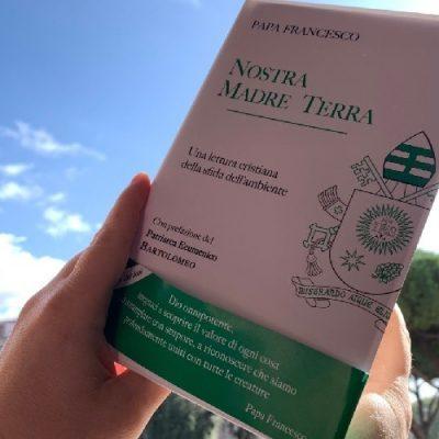 """""""Nuestra Madre Tierra"""": Nuevo libro del Papa Francisco"""