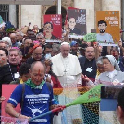 Francisco deja claro que quiere caminar entre la gente