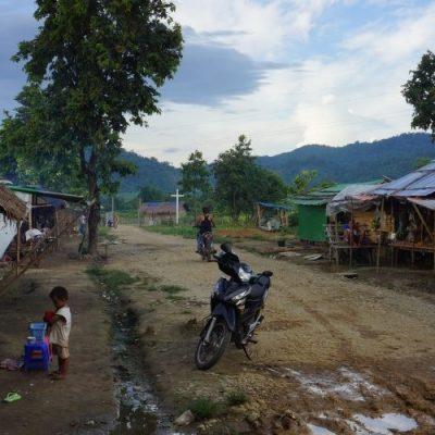 Birmania: Los motivos para enseñar en una zona afectada por el conflicto