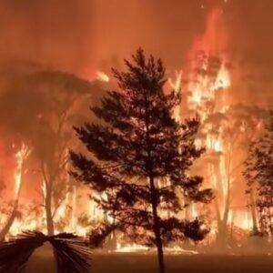 Australia: Un millar de hogares destruidos por el fuego en la temporada de incendios