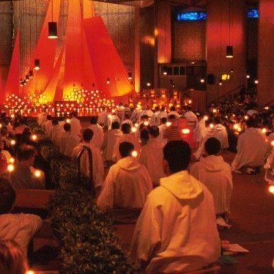 """El Papa a los jóvenes de Taizé: """"Arraigados en la fe respondan a los nuevos desafíos"""""""