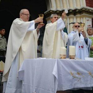 Obispo Santiago Silva: Reconstruir nuestra sociedad en la justicia y la paz