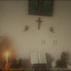 Los católicos chinos rezan en sus casas ante la emergencia del coronavirus
