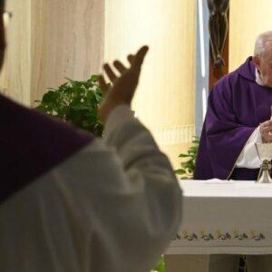 El Papa reza por quienes no logran reaccionar, asustados por la pandemia