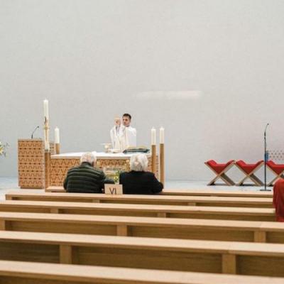 """La Iglesia italiana """"reabrirá"""" a finales de mayo"""