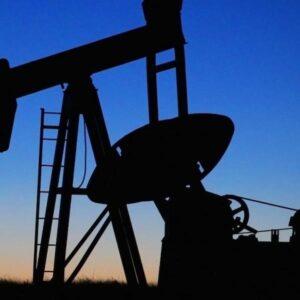 Caída del precio del petróleo y coronavirus