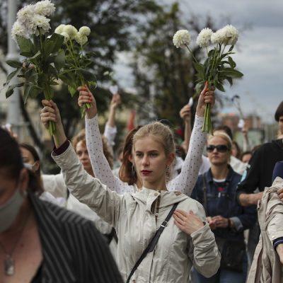 Bielorrusia: Monseñor Kondrusiewicz llama a la paz y a la confrontación