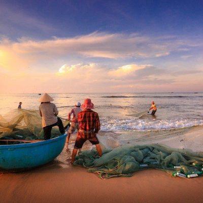 """Cardenal Turkson: """"Proteger los derechos humanos y laborales de los pescadores"""""""