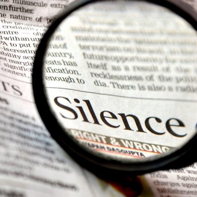 Silencios cómplices vs. debates inútiles