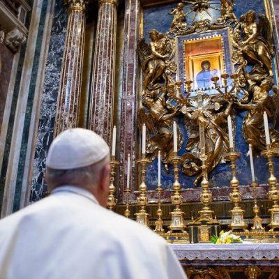 El 2020 del Papa Francisco: La fuerza de la oración en tiempos de pandemia