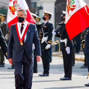 Revista Mensaje N° 695: «Esa política peruana que corrompe la democracia»