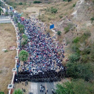 Llega a Guatemala una caravana de migrantes de Honduras