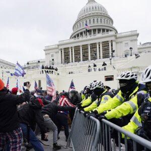 La democracia bajo asalto