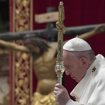 La Santa Sede vuelve a blindar la Semana Santa ante el repunte de casos en Italia