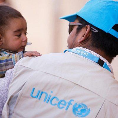 UNICEF: Uno de cada ocho países gasta más en deuda que en servicios sociales