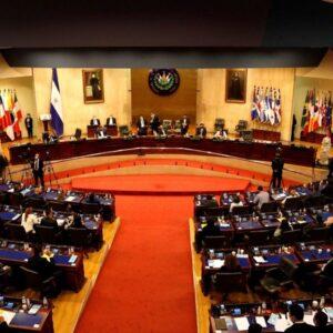 Incertidumbre en El Salvador ante destitución de magistrados y Fiscal General